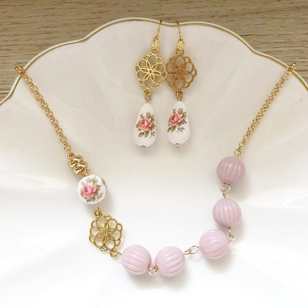 Pastel Pink Rose Earrings and Necklace set - Diary of a Miniature Enthusiast