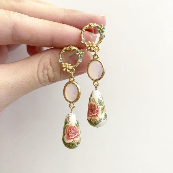 Classic Rose Garden Faceted Links Earrings - Diary of a Miniature Enthusiast