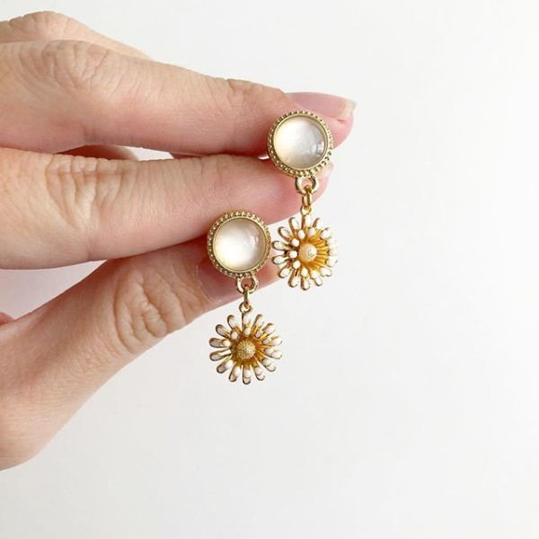 White and Yellow Floral Earrings - Diary of a Miniature Enthusiast