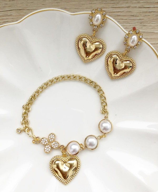 Purity Exquisite Charm Bracelet (Cubic Zirconia link) and Matchin - Diary of a Miniature Enthusiast
