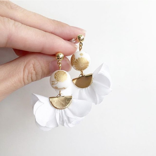 Snow White and Gold Flare Earrings - Diary of a Miniature Enthusiast