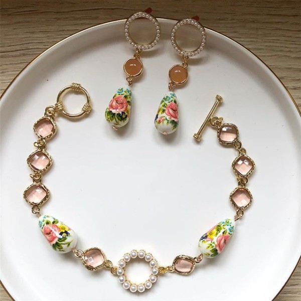 Pink and Pearl Floral Bracelet and Earrings - Diary of a Miniature Enthusiast