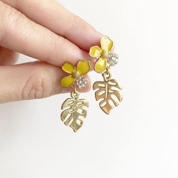 Gold Leaf and Floral Earrings    - Diary of a Miniature Enthusiast
