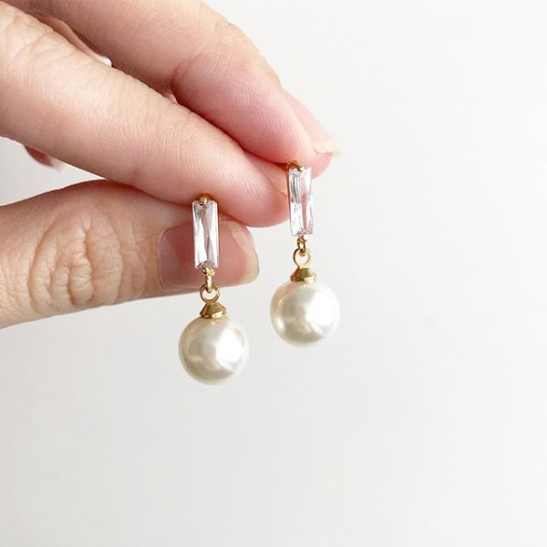 White Stones with Pearls Earrings - Diary of a Miniature Enthusiast