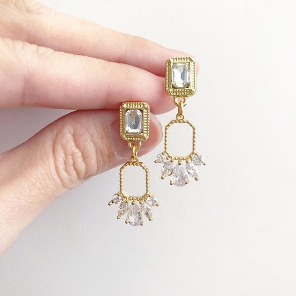 Purity Elegance Earrings - Diary of a Miniature Enthusiast