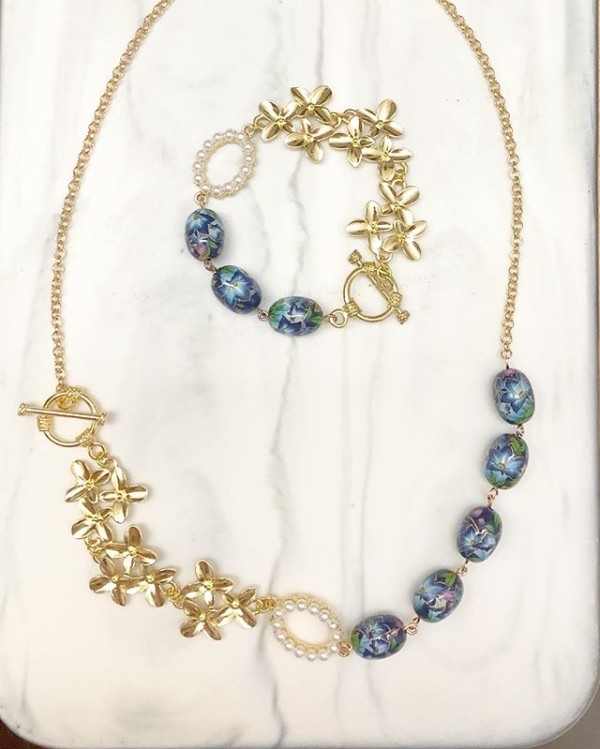 Gold and Blue Lillies Bracelet and Necklace - Diary of a Miniature Enthusiast