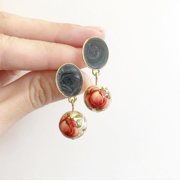 Pearl Red Rose Black Earrings - Diary of a Miniature Enthusiast
