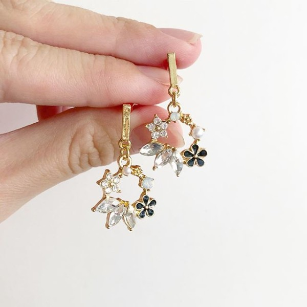 Black Floral and Pearls Earrings - Diary of a Miniature Enthusiast