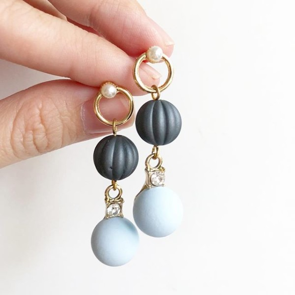 Black and Blue with Pearl Earrings - Diary of a Miniature Enthusiast