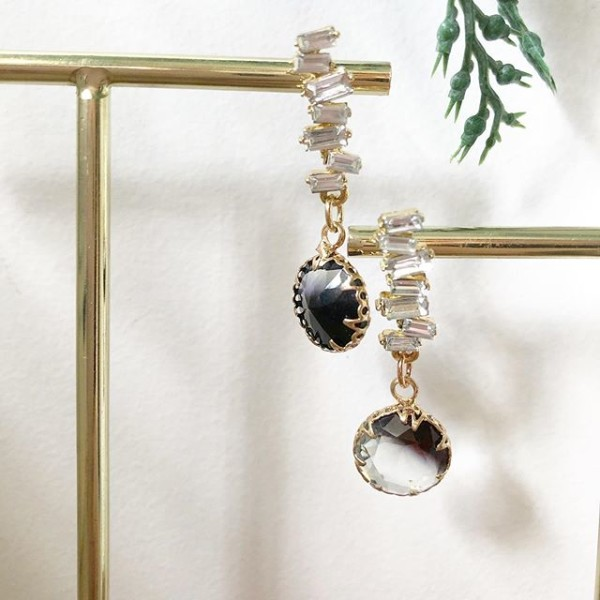 Black and White Stones Earrings - Diary of a Miniature Enthusiast