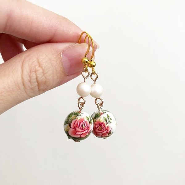 Rose with Pearlescent Swarovski Pearls Earrings - Diary of a Miniature Enthusiast