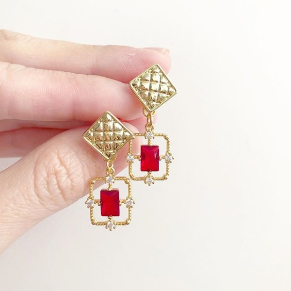 Classic Red CZ on Quilted Earrings - Diary of a Miniature Enthusiast