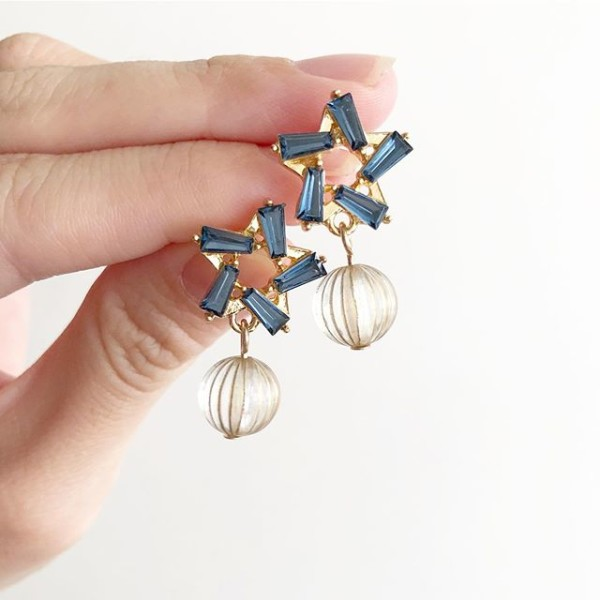 Blue Stones Earrings - Diary of a Miniature Enthusiast