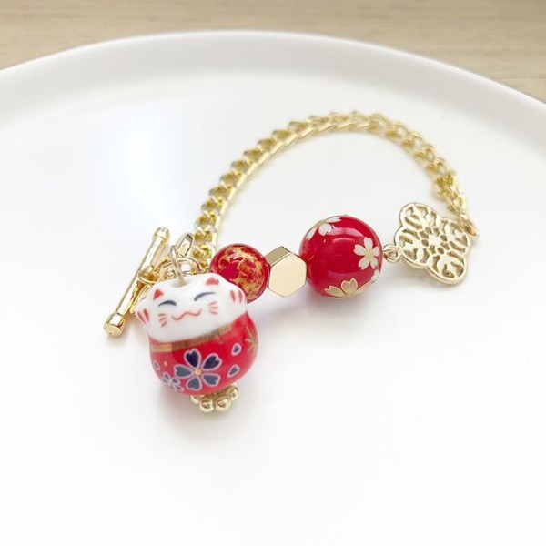 Red Lucky Cat Tensha Charm Bracelet - Diary of a Miniature Enthusiast