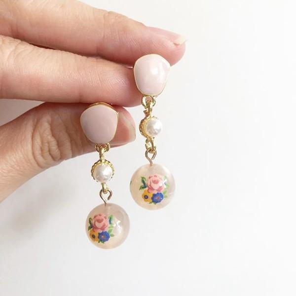 Garden Butterfly Opaline Blooms Pearl Link Earrings - Diary of a Miniature Enthusiast