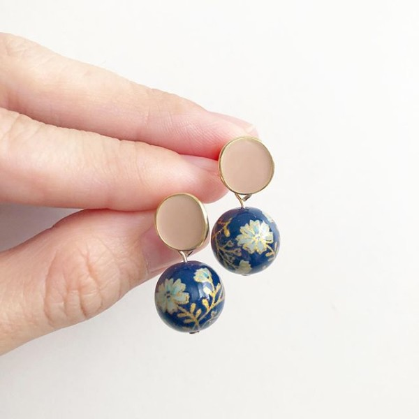 Navy Daffodils Blush Plain Studs - Diary of a Miniature Enthusiast
