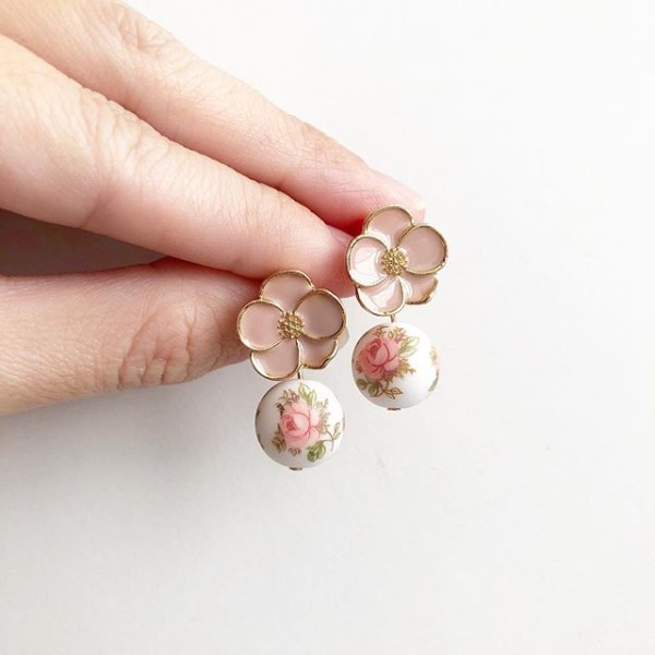 Pastel Pink Rose Earrings - Diary of a Miniature Enthusiast