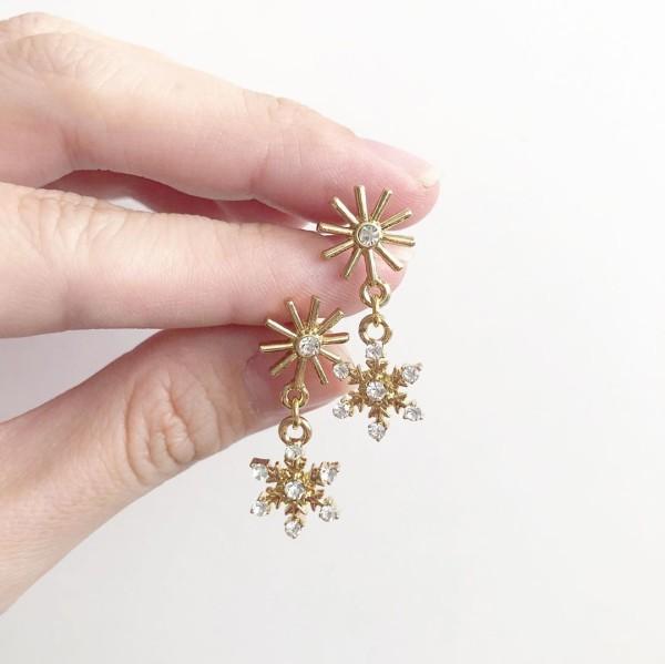 Snowflake I Earrings - Diary of a Miniature Enthusiast
