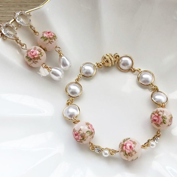 Pastel Pink Rose in Light Blush Diamonds & Pearls Set - Diary of a Miniature Enthusiast