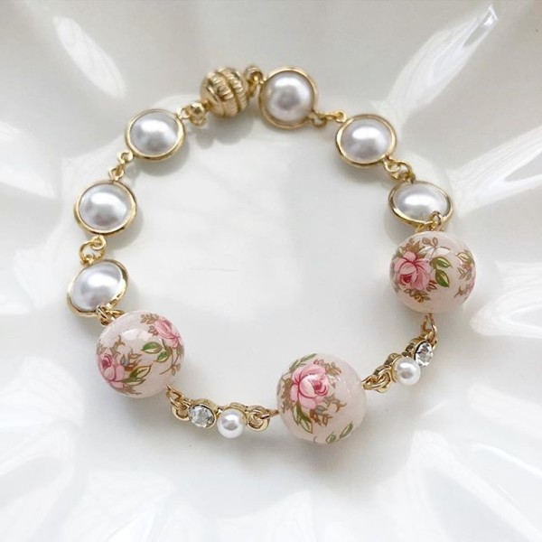 Pastel Pink Rose in Light Blush Diamonds & Pearls Bracelet - Diary of a Miniature Enthusiast