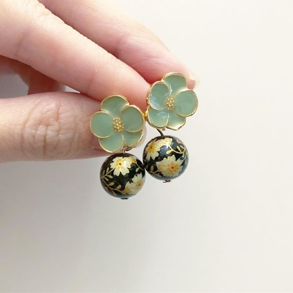 Black and Green Floral Earrings - Diary of a Miniature Enthusiast