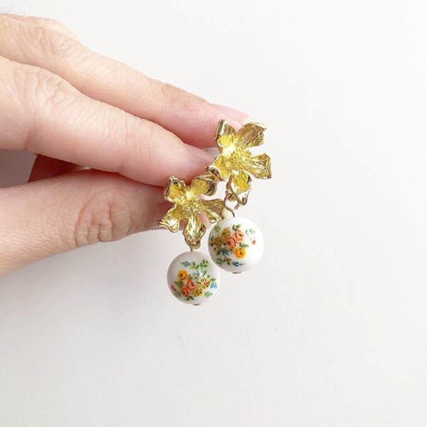 Floral Bouquet in White Earrings  - Diary of a Miniature Enthusiast