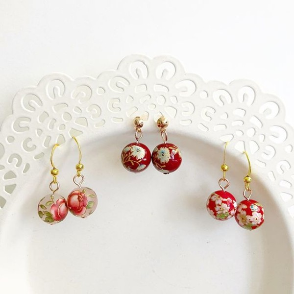 Red Floral Earrings - Diary of a Miniature Enthusiast