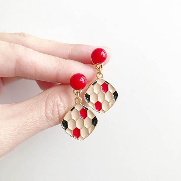 Red, Black and Nude Earrings - Diary of a Miniature Enthusiast