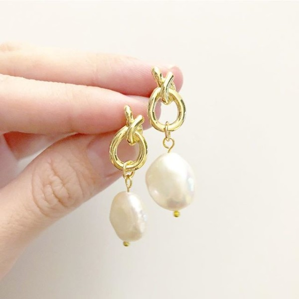 Gold and Pearl Earrings - Diary of a Miniature Enthusiast