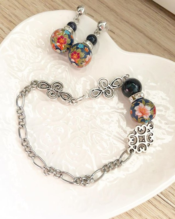 Black Floral Earrings and Bracelet - Diary of a Miniature Enthusiast