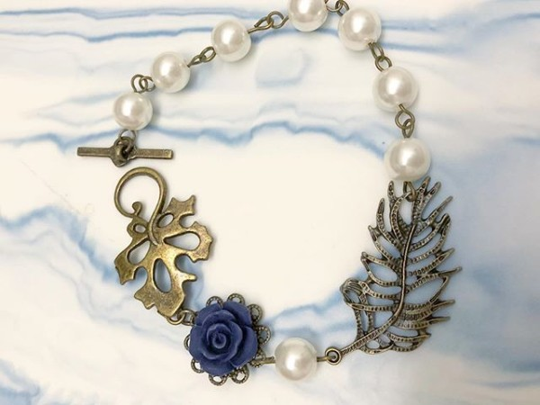 Pearl and Blue Floral Bracelet - Diary of a Miniature Enthusiast
