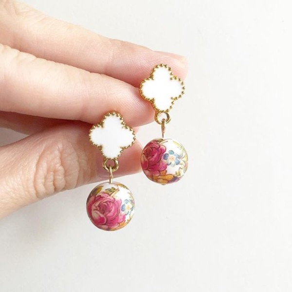 Vintage Pink Rose Quatrefoil Earrings - Diary of a Miniature Enthusiast