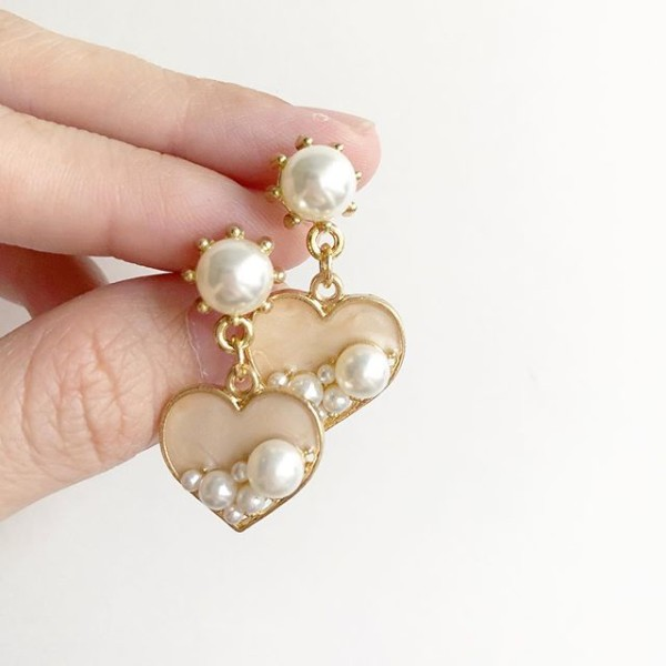 Hearts and Pearls Earrings - Diary of a Miniature Enthusiast