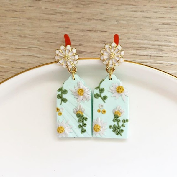 Day Chamomile Fields Victorian Window Arch Earrings - Diary of a Miniature Enthusiast
