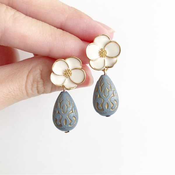 Grey and White Floral Earrings - Diary of a Miniature Enthusiast