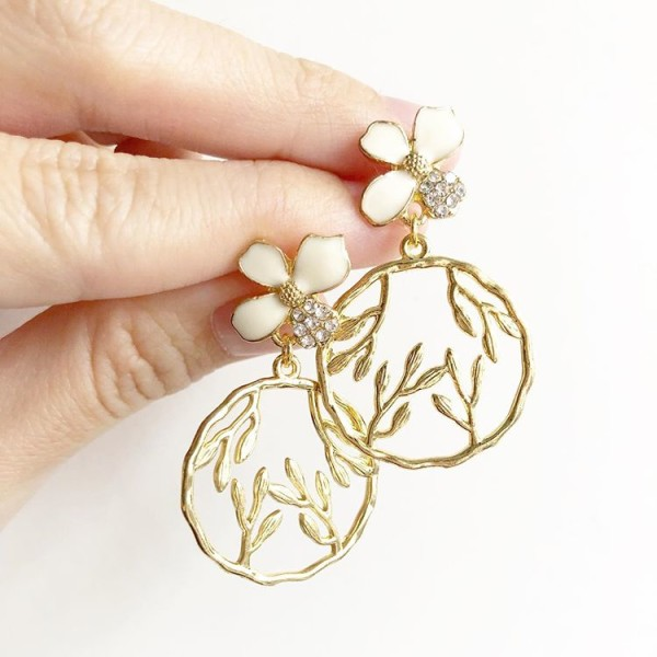Gold and White Floral Earrings - Diary of a Miniature Enthusiast
