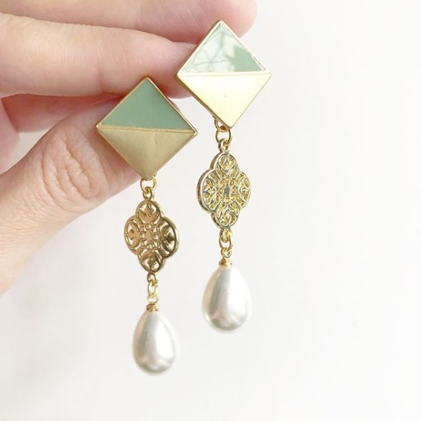 Gold and Green Earrings - Diary of a Miniature Enthusiast