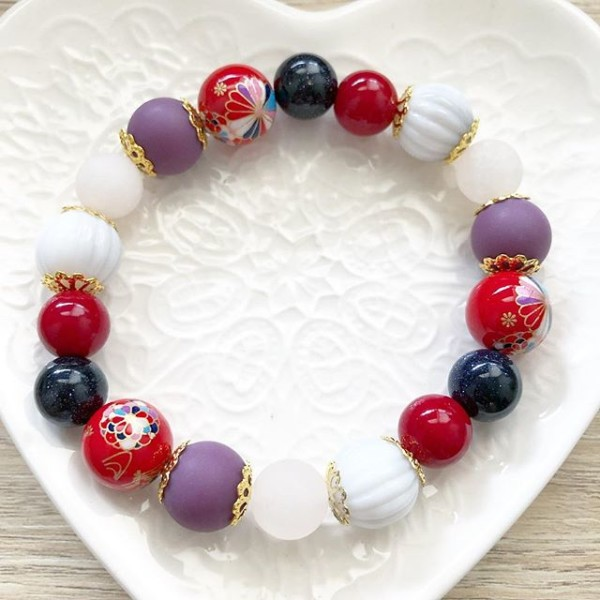 Purple and Red Bracelet - Diary of a Miniature Enthusiast