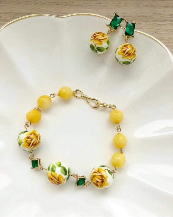 Yellow Rose Earrings and Bracelet - Diary of a Miniature Enthusiast