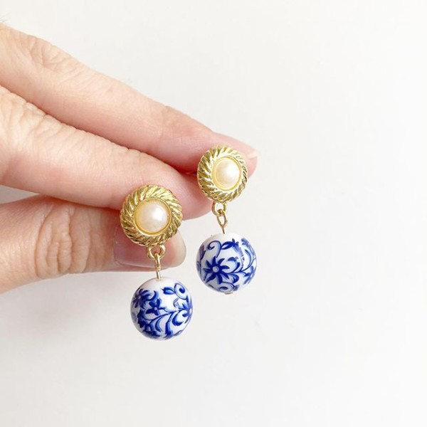Blue China Vintage Pearl Stud Earrings - Diary of a Miniature Enthusiast