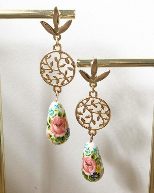 Gold and Pink Floral Earrings - Diary of a Miniature Enthusiast