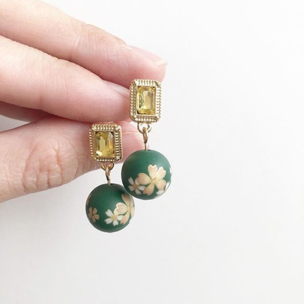 Emerald Sakura Vintage Studs - Diary of a Miniature Enthusiast