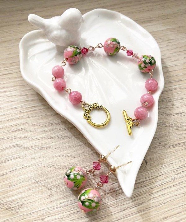 Pink Earrings and Bracelet - Diary of a Miniature Enthusiast
