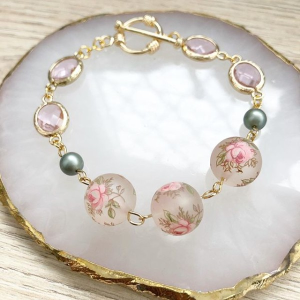 Frosted Pink Pastel Rose with Faceted Links Bracelet - Diary of a Miniature Enthusiast
