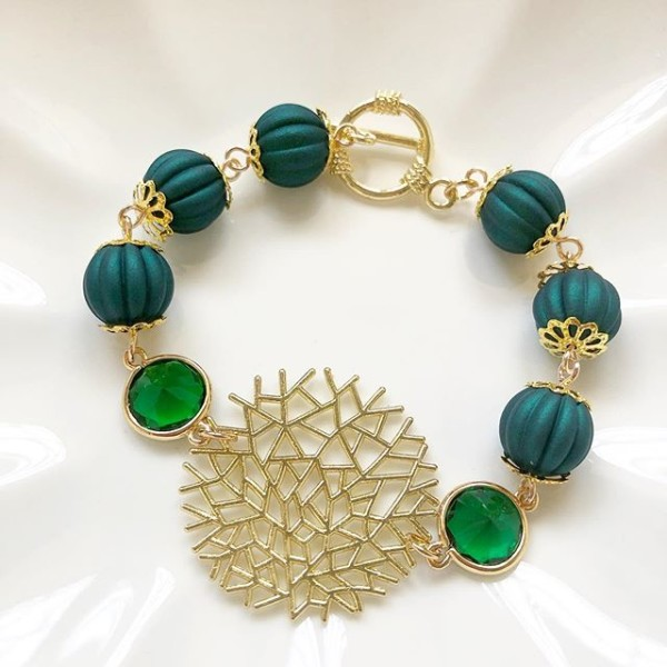Green and Gold Bracelet - Diary of a Miniature Enthusiast