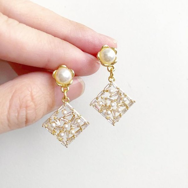 Purity Diamond Pearl Earrings (Cubic Zirconia Charms) - Diary of a Miniature Enthusiast