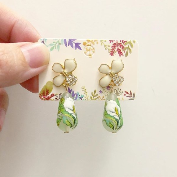 Green and White Floral Earrings - Diary of a Miniature Enthusiast