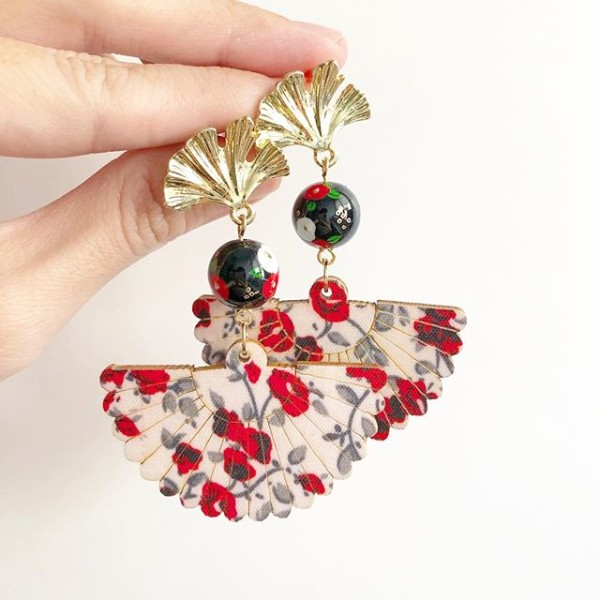 Gold and Red Earrings - Diary of a Miniature Enthusiast