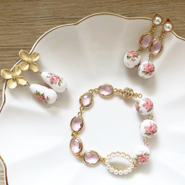 Pastel Pink Rose Earrings, Bracelet and Necklace set - Diary of a Miniature Enthusiast