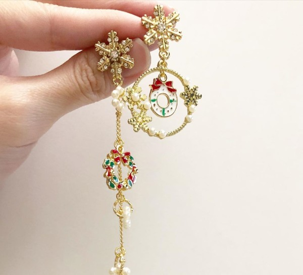 Asymmetrical Christmas Earrings - Diary of a Miniature Enthusiast